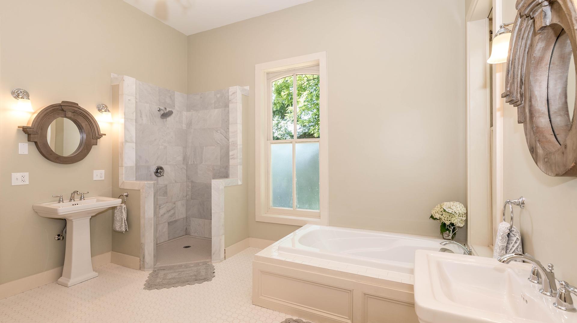 Douche ou baignoire : les types de salles de bain